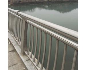 桥梁火狐体育栏杆